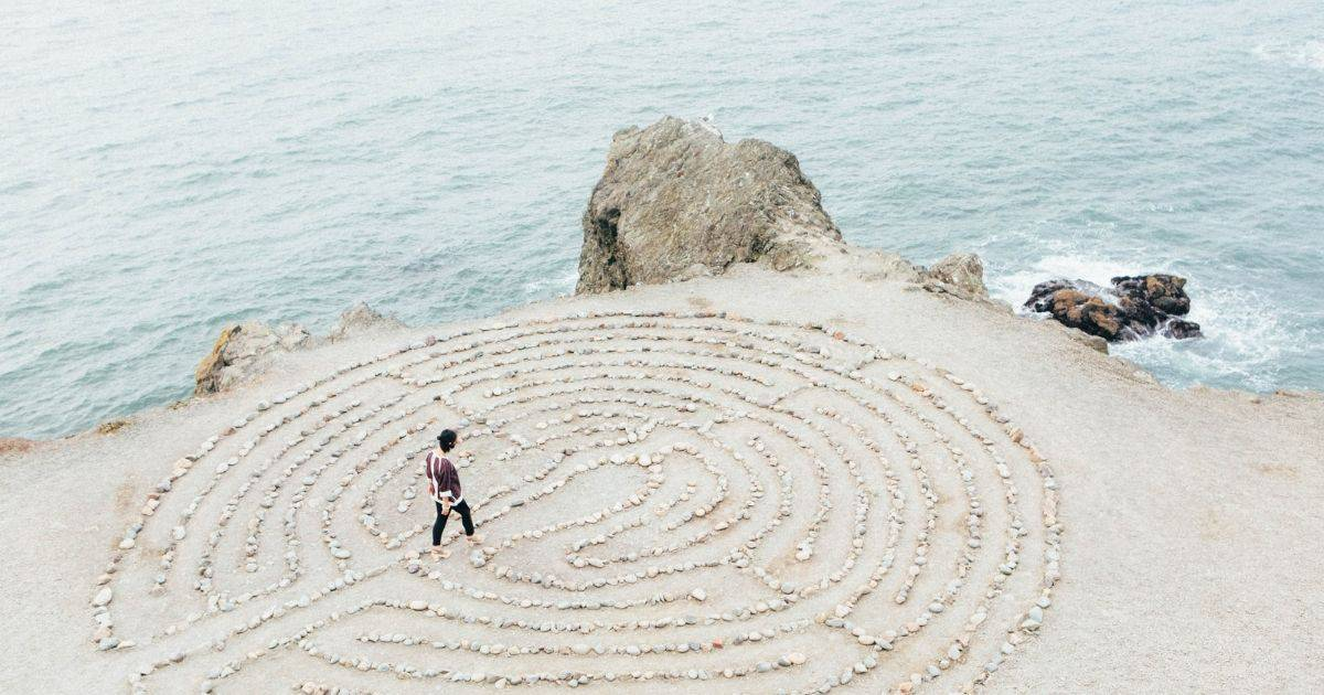 labyrinth of a new business